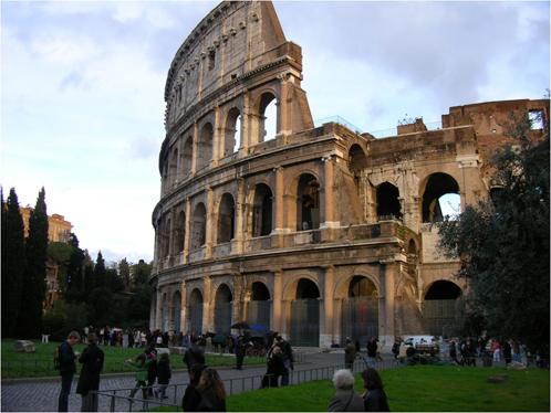 Refleksi di Coloseum, Roma: Jangan Sampai Terulang!
